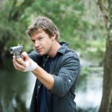 Matt Passmore in un momento del pilot della serie The Glades