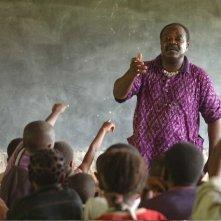 Teodoro Ndjock Ngana nel documentario 'Il colore delle parole'.