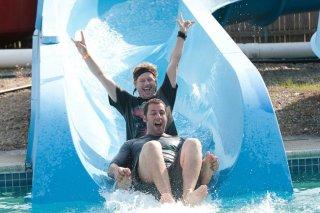 David Spade e Adam Sandler nel film Un weekend da bamboccioni
