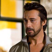 L'affascinante Jordi Mollà nel film Innocenti bugie