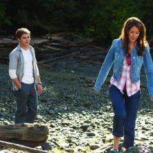 Zac Efron e Amanda Crew in un'immagine del film Charlie St. Cloud