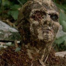 Una scena horror del film Zombi 2 di Lucio Fulci