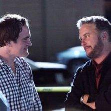 Quentin Tarantino e William Petersen sul set del doppio episodio Sepolto vivo di CSI