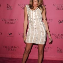 Rosie Huntington-Whiteley indossa Victoria's Secret