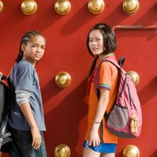 Jaden Smith e Wenwen Han in una sequenza del film Karate Kid