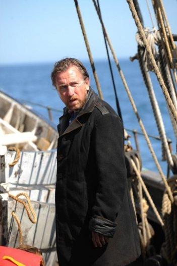 Tim Roth in una scena della miniserie TV Sea Wolf