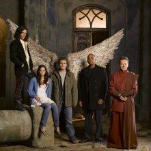 Hal Ozsan, Fernanda Andrade, Paul Wesley, Rick Worthy e Bryan Cranston in una foto promo per Angeli caduti
