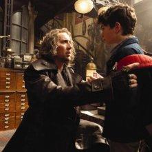 Nicolas Cage e il piccolo Jake Cherry in una scena del film L'apprendista stregone
