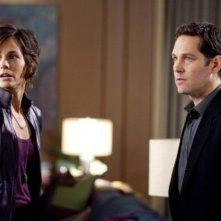 Paul Rudd e Stephanie Szostak nel film A cena con un cretino