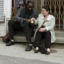 Sotigui Kouyate e Brenda Blethyn in un'immagine del film London River