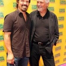 Josh Brolin e James Brolin alla premiere di Standing Ovation a Los Angeles