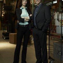 Joanne Kelly ed Eddie McClintock in una foto promo per la stagione 2 di Warehouse 13