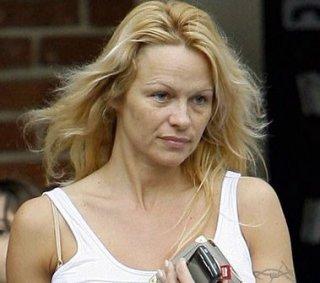 Pamela Anderson struccata