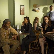 Parte del cast della serie Eureka in una foto promozionale