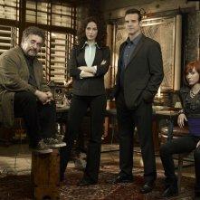 Saul Rubinek, Joanne Kelly, Eddie McClintock e Allison Scagliotti per la stagione 2 di Warehouse 13