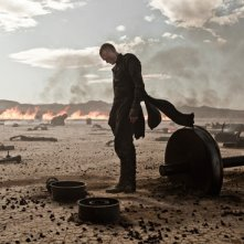 Una desolante immagine di Paul Bettany in Priest