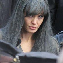 Angelina Jolie con un look aggressivo in Salt