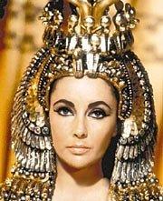 Elizabeth Taylor è Cleopatra, sovrana d'Egitto