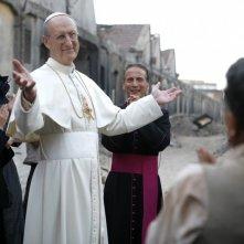 James Cromwell in una scena della miniserie Sotto il cielo di Roma