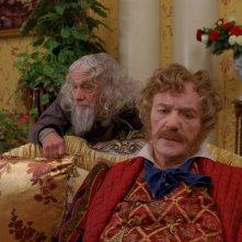 Aleksandr Lenkov e Leonid Kuravlyov in una scena del fantasy Il maestro della pietra magica