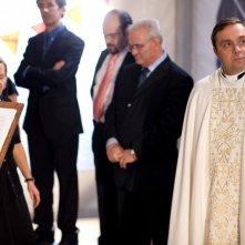 Gabriele Cirilli è il prete Don Juan nel film La città invisibile
