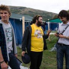 Nicola Nocella e Alan Cappelli con il regista Giuseppe Tandoi sul set del film La città invisibile