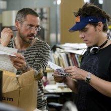Robert Downey Jr. con il regista Joe Wright sul set del film The Soloist