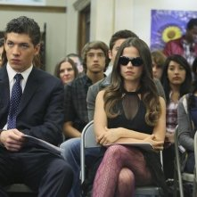 Parker Bagley e Tammin Sursok nell'episodio Please Don't Talk About Me When I'm Gone di Pretty Little Liars