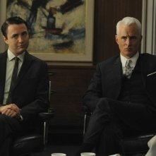 Vincent Kartheiser e John Slattery nell'episodio Public Relations di Mad Men