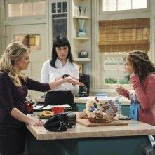 Taylor Spreitler, Elizabeth Ho e Melissa Joan Hart nel pilot di Melissa & Joey