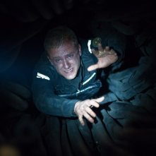 Ben Foster in una claustrofobica sequenza del film Pandorum
