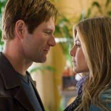 Primo piano romantico per la coppia Aaron Eckhart-Jennifer Aniston da Love Happens