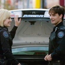 Charlotte Sullivan e Gregory Smith nell'episodio Hot and Bothered di Rookie Blue