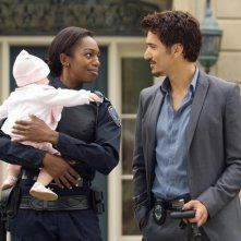 Enuka Okuma e Noam Jenkins in una scena dell'episodio Broad Daylight di Rookie Blue