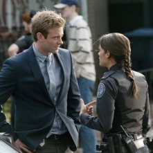 Eric Johnson e Missy Peregrym nell'episodio Bullet Proof di Rookie Blue
