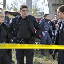 Gregory Smith, Charlotte Sullivan e Travis Milne nell'episodio Girlfriend of The Year di Rookie Blue