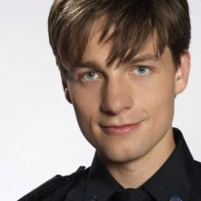 Gregory Smith in una foto promozionale di Rookie Blue