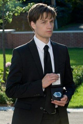 Gregory Smith in una scena dell'episodio Broad Daylight di Rookie Blue