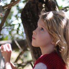 La piccola Morgana Davies in un'immagine del film The Tree