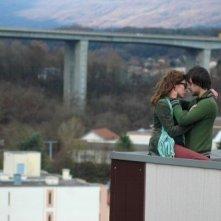 Marc-André Grondin e Laura Smet in una scena del film Insoupçonnable