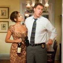 Will Ferrell con Eva Mendes in una scena di The Other Guys