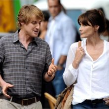 Carla Bruni e Owen Wilson sul set di Midnight in Paris