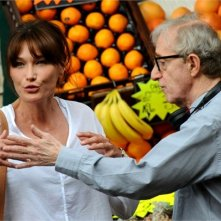 Carla Bruni e Woody Allen sul set di Midnight in Paris