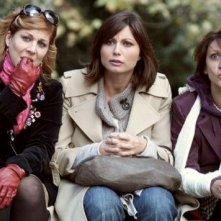 Michela Andreozzi, Anna Ferzetti e Paola Minaccioni nella serie Donne in panchina