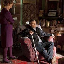 Una Stubbs e Martin Freeman nel primo episodio della serie Sherlock