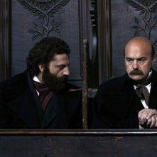 Noi credevamo di Mario Martone. A destra Luca Zingaretti (Francesco Crispi). Insieme a lui, Guido Caprino (Felice Orsini).