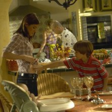 Debra (Jennifer Carpenter) e Cody (Preston Bailey) in una scena dell'episodio Hungry Man di Dexter
