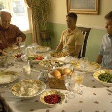 Michael C. Hall pranza assieme alla famiglia Mitchell nell'episodio Giorno di festa di Dexter