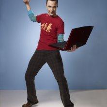 Jim Parsons in una simpatica immagine promozionale della stagione 4 di The Big Bang Theory