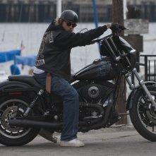 Charlie Hunnam nella premiere della stagione 3 di Sons of Anarchy